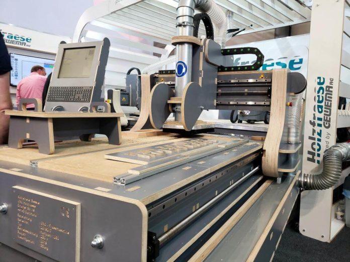 CNC glodalica izrađena od drva