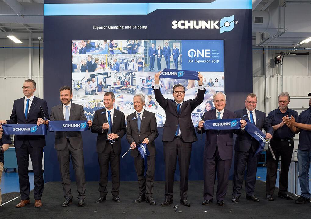 Jedan tim - jedna obitelj - jedna budućnost: SCHUNK je početkom svibnja otvorio novi  pogon u Morrisvilleu. Zajedno s novim proizvodnim pogonima u Brackenheim-Hausenu i Mengenu, SCHUNK će do sredine 2020. uložiti ukupno 85 milijuna eura na svoje lokacije.