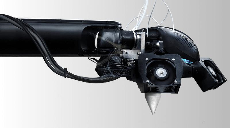 AiMaker je robotska krajnja jedinica visoke preciznosti koji se pričvršćuje na industrijske robotske ruke i može s velikom točnošću ispisivati velike objekte velikom brzinom.