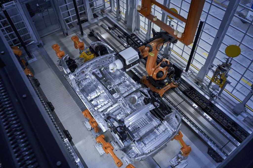 Nova ćelija za mjeriteljstvo i kontrolu kvalitete. Mjerenje podvozja serije BMW 8 Coupe koristeći Nikon Metrology sustav laserskog radara.