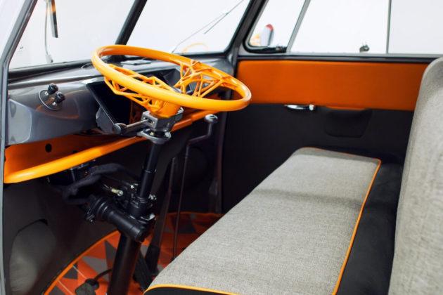 Generativni dizajn je također korišten na Volkswagen kombi projektu kako bi se ponovno zamislio volan