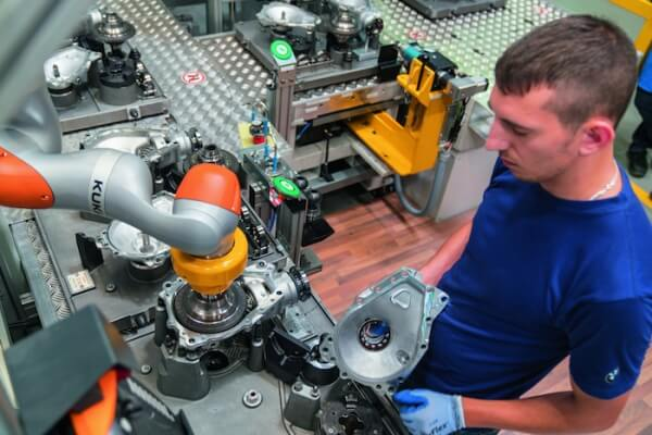 Collaborative robot solutions on deck at EMO Hannover 2019