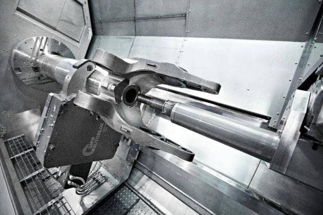The range of applications of the M175 MILLTURN offers a remarkable variety, such as the machining of large landing gears.